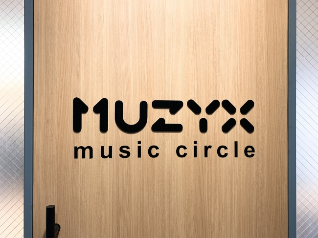 MUZYX